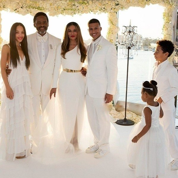 Beyonce Solange And Kelly Rowland Are Flawless At Tina Knowles Wedding Truestar